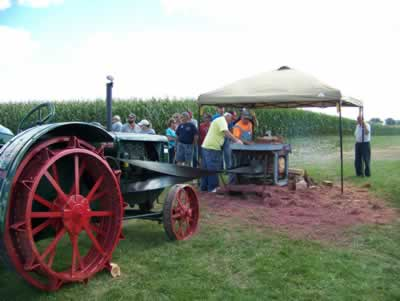 Hesper-Mabel Steam Engine Days - Mabel, Minnesota - Oldest Steam Engine Show in Minnesota - Parade